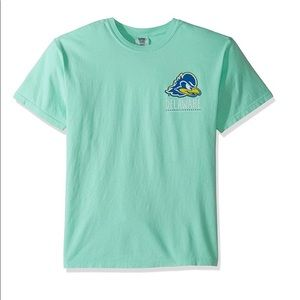 Delaware Blue Hens Life Is Better Tee NWT XL